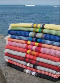 Cotton homelinen by Artiga. To discover this unique brand, visit their website or come meet them at the upcoming winter February www. Mohair Blanket, Striped Chair, Fibre And Fabric, House By The Sea, Basque Country, Concrete Planters, Turkish Towels, Striped Fabrics, French Decor