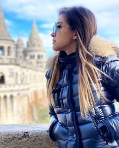 Moncler, Puffer Jackets, Winter Jackets, Fur Collars, Jacket Style, Lady, Instagram, Blue, Coats