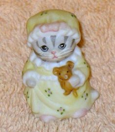 KITTY CUCUMBER THIMBLE SIZE PRISCILLA IN YELLOW NIGHT GOWN.