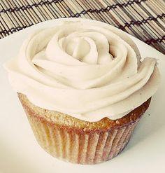 Low Glycemic - Gluten Free Pumpkin cupcake w/ cinnamon frosting!