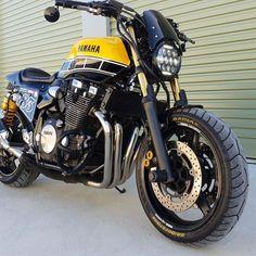 Enduro Motorcycle, Motorcycle Style, Yamaha Cafe Racer, Cafe Racers, Ninja Bike, Xjr 1300, Brat Bike, Bike Ideas, Sweet Cars