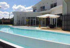 A vendre magnifique villa F6, piscine à Ambatobe Tananarive | Agence immobilière à Tananarive