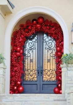 48 Stunning Christmas Door Decoration Ideas For Every Home. You will find a good deal of Christmas door decorating ideas for every home. Regardless of fashion or subject you've got in your home,. Front Door Christmas Decorations, Elegant Christmas Decor, Christmas Front Doors, Christmas Porch, Noel Christmas, Beautiful Christmas, Christmas Wreaths, Christmas Crafts, Holiday Decor