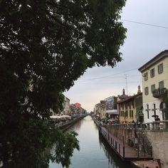 #milano #navigli #river #sky #ig_milan #igersmilano #milanocityufficiale #monday #holiday #friends #milan #milanocity #milanodavedere #picoftheday #igersitalia by figuz