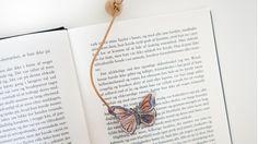 En nem og kreativ DIY til fine bogmærker af krympeplast, hvor selv de mindste børn kan være med.