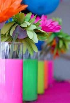 Dollar Tree vases filled with water and drops of neon acrylic paint…neon glow party idea Dollar Tree Flowers, Dollar Tree Vases, 80s Birthday Parties, Neon Birthday, Birthday Ideas, Girl Birthday, Glow Party, 80s Theme, Neon Glow