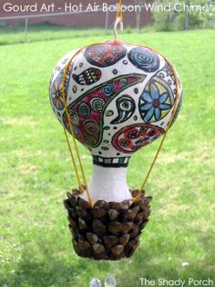 Gourd Art - Hot Air Balloon Wind Chime by The Shady Porch - Perfect in a Fairy Garden! Farm Crafts, Garden Crafts, Crafts To Do, Diy Craft Projects, Decor Crafts, Craft Ideas, Balloon Crafts, Gourds Birdhouse, Painted Gourds