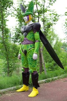 DBZ Cell Cosplay http://files.doobybrain.com/wp-content/uploads/2010/03/cell-cosplay.jpg