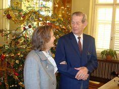 Primul #Crăciun fără Regele Mihai cel Statornic și Drept. Pentru alinare, câteva momente din alți ani...