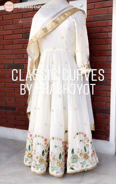 Designer Punjabi Suits Patiala, Punjabi Suits Designer Boutique, Patiala Suit Designs, Indian Designer Suits, Kurta Designs, Saree Blouse Designs, Boutique Suits, Embroidery Suits Punjabi, Embroidery Suits Design