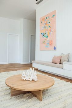 Former Blockheads Kyal and Kara created a luxury coastal home that oozes style and ticks all the boxes. See all the photos and get the couple's reno tips. Small Lounge Rooms, Small Living Rooms, Living Room Decor, Living Area, Living Spaces, Kyal And Kara, Living Comedor, Layout, Australian Homes