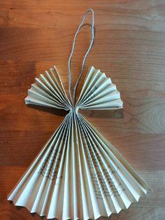 Kässämartat: Paperienkeli kierrätysmateriaaleista: