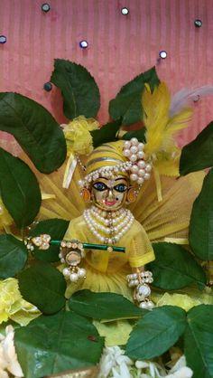 ~ jay shree Krishna... Bal Krishna, Shree Krishna, Krishna Art, Laddu Gopal Dresses, Bal Gopal, Ladoo Gopal, Krishna Painting, Designer Wear, Deities