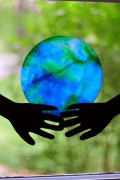 """He's Got the Whole World in His Hands: Coffee Filter """"Stained Glass"""" Earth from I Can Teach My Child"""