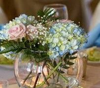 Just have your florist provide you with loose stems of fresh flowers, baby's breath or greenery and we will insert into our bowls. Baby's Breath, Stems, Table Centerpieces, Fresh Flowers, Different Colors, Greenery, Bowls, Glass Vase, Bubbles
