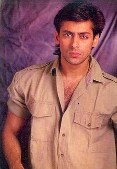 Salman Khan i am pooja kamble i love you Salman Khan Young, Salman Khan Photo, Shahrukh Khan, Salman Khan Wallpapers, Handsome Actors, Being Good, Bollywood Stars, Bollywood Celebrities, Famous Faces