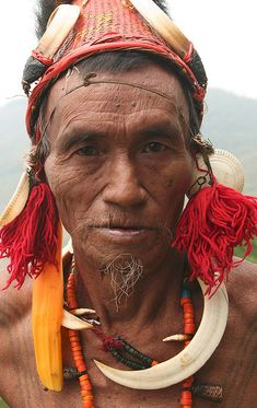 Nagaland, Konyak Naga at Wakching Village, India, Walter Callens We Are The World, People Around The World, Naga People, Old Faces, Beauty Around The World, Portraits, World Of Color, Interesting Faces, Portrait Photography