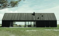 Black Barn: Gotland Summer House by Deve Architecture. Residential Architecture, Architecture Design, Modern Barn House, Black Barn, Black Wood, Villa, Black House, House In The Woods, Building A House