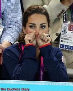 kate middleton anxiously watches swimming paralymics london 2012