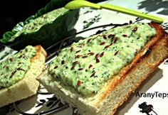 Hungarain 'courgette pate', will try with soft cheese instead of sour cream Healthy Fats Foods, Fat Foods, Healthy Snacks, Diet Recipes, Vegan Recipes, Cooking Recipes, Vegan Food, Clean Eating, Food And Drink