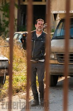 New photo from Season 7. Looks like Negan has arrived at Alexandria