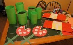 I did a Super Mario Bros birthday party and made an obstacle course in the yard by using things I already had at home and doing the decorations myself! Super Mario Party, Bolo Super Mario, Super Mario Bros Games, Nintendo Party, Mario Birthday Cake, Super Mario Birthday, Mario Und Luigi, Mario Bros., Mario Crafts