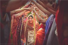 Indian wedding traditions, superstitions and beliefs also for sikh, muslim and christian weddings Wedding Rituals, Sikh Wedding, Wedding Shoot, Wedding Pictures, Destination Wedding, Wedding Day, Wedding Decor, Wedding Trivia, Photography Poses