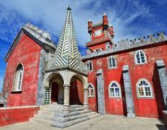 Palais De Pena Palacio Da Pina à Sintra, Construit Sur Les Pitons Rocheux De La Serra De Sintra, Portugal Banque D'Images Et Photos Libres De Droits. Image 13823396.