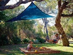 Piccola tenda Coolaroo per area giochi bimbi.