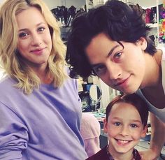 If they were parents they will be amazing and coles smile lilireinhart colesprouse bettycooper jugheadjones family amazing purple riverdale riverdalecast riverdaleedits kjapa madelainepetsch camilamendes Bughead Riverdale, Riverdale Memes, Betty Cooper, Cleveland, Riverdale Betty And Jughead, Lili Reinhart And Cole Sprouse, Camilla Mendes, Gina Gershon, Riverdale Cole Sprouse