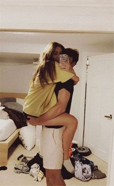 50 Sweet Relationship Goal Photographs You Will Love - Page 37 of 50 - Couple Goals Cute Couples Photos, Cute Couple Pictures, Cute Couples Goals, Cute Photos, Adorable Couples, Goofy Couples, Teenage Couples, Sweet Couples, Cute Couples Kissing