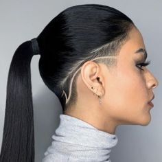 Short Hair Shaved Sides, Shaved Side Haircut, Shaved Side Hairstyles, Short Hair Cuts, Undercut Hairstyles Women, Undercut Women, Shaved Long Hair, Shaved Pixie Cut, Braids With Shaved Sides