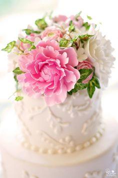 ? Pink and White #Wedding| http://weddingphotographymonserrat.blogspot.com