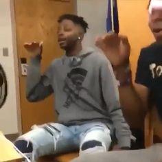 Funny Ghetto Memes, Funny Black People Memes, Funny Video Memes, Stupid Memes, Funny Facts, Funny Dancing Gif, Flipagram, Memes Humor, Dance Choreography Videos
