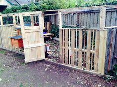 Chicken Coop Pallets, Chicken Coop Plans, Building A Chicken Coop, Portable Chicken Coop, Best Chicken Coop, Chicken Coop Designs, Porches, Chicken Pen, City Chicken
