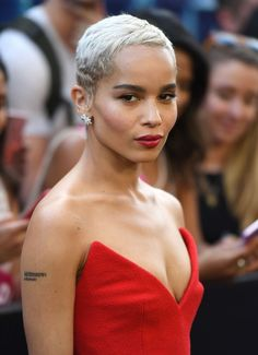32 Coolest Pixie Cut for the Summer to Improve Your Look, Pixie Cut for … - Schulterlange Haare Ideen Protective Hairstyles, Long Pixie Hairstyles, Pixie Haircut, Hairstyles 2018, Latest Hairstyles, Short Platinum Blonde Hair, Blonde Pixie Cuts, Short Hair Cuts, Blonde Hair Inspiration