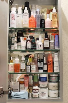 IG: My Favorite Beauty Products of 2017 # aesthetic skin care beauty products Beauty Care, Beauty Skin, Beauty Hacks, Fresh Rose Face Mask, Shelfie, Tips Belleza, All Things Beauty, Skin Treatments, Skin Makeup