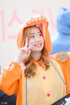 Welcome to Alltwiceicons. Here you will find icons, headers, lockscreens and more stuff of twice. Only Twice Since: December, 2015 Requests: OPEN PT-BR Nayeon, Kpop Girl Groups, Korean Girl Groups, Kpop Girls, K Pop, Lee Hi, Rapper, Twice Dahyun, Twice Kpop