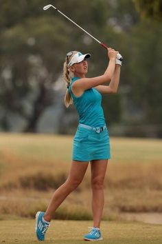 #JessicaKorda keeps everything align w/matching attire from her top to the color of her shoes.