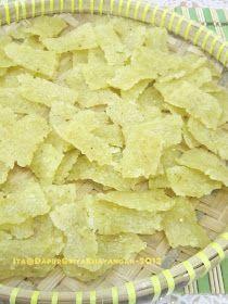 Membuat kerupuk nasi atau kerupuk gendar sendiri yuuk...mudah dan sederhana cara pembuatannya. Dijamin rasanya lebih gurih dan renyah me...