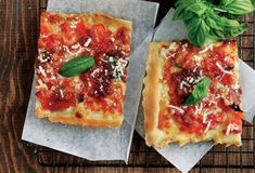 Συνταγές για Vegetarian - Συνταγές για Χορτοφάγους | Argiro.gr Calzone, Food Categories, Pizza Dough, Pepperoni, Margarita, Vegetable Pizza, Lasagna, Quiche, Make It Simple