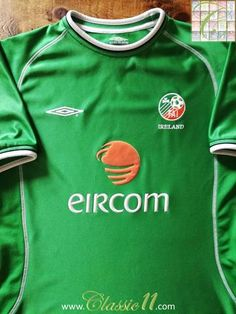 Official Umbro Republic of Ireland home football shirt from the 2001/2002 international season.