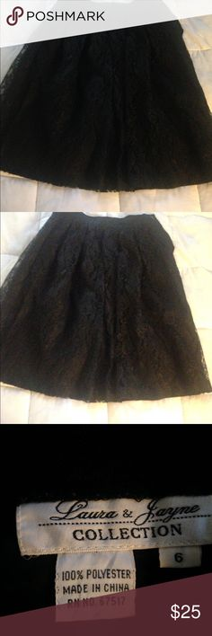😎BOGO FREE!Cute lace skirt! 😎BUNDLE ANY TWO ITEMS ($15 dollars or less priced items)FOR THE PRICE OF ONE. YOUR OFFER SHOULD REFLECT THE HIGHEST PRICED ITEM. NO OTHER DISCOUNT CAN BE COMBINED! Wear for any occasion ! Skirts