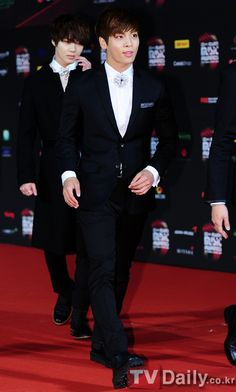 Prince SHINee @ 2012 MAMA Hong Kong (Red Carpet)
