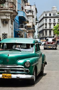 Cuba, Havana an amazing holiday with my bubba Retro Cars, Vintage Cars, Havana Cars, National Geographic Traveler Magazine, Places To See, Places Ive Been, Cuba Fashion, Corfu Town, American Auto