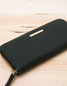 Basic Saffiano style purse - Portfele - Bershka Poland