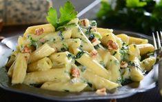 Πένες με σάλτσα μπλε τυριού και καρύδια
