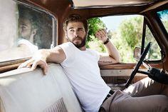 Barbas & Barbas - Liam Hemsworth by Peter Yang Liam Hemsworth, Hemsworth Brothers, Liam Y Miley, Popular People, Famous People, Stud Muffin, Celebs, Celebrities, Attractive Men
