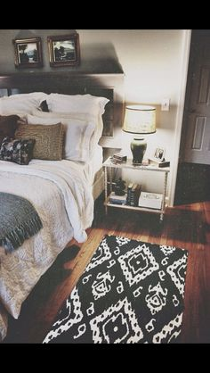 Home bedroom, cozy house, home Dream Bedroom, Home Bedroom, Warm Bedroom, Bedroom Black, Budget Bedroom, White And Brown Bedroom, Light Bedroom, Bedroom Photos, Bedroom Office