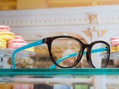 VO5037 nylon fiber front and turquoise temples